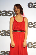 Emma Stone @ Screen Gems' EASY A Photo Call held at Summer of Sony (june 26, 3 HQ)
