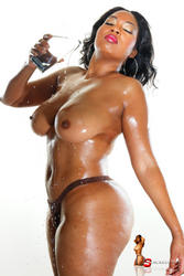 DStacked Dara topless and wet - image 1