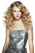 http://img232.imagevenue.com/loc143/th_725895880_Taylor_Swift_Alexei_Hay_Photoshoot_for_Elle_Magazine_2010_1_122_143lo.jpg
