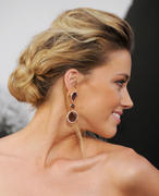"صور Amber Heard ""Salt"" Premiere Angeles, July 2010 *updated* th_41613_aMbErHeArDsAlTsCrEeNiNg071910nBs41_122_148lo.jpg"
