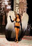 th_12803_Victoria_Secret_Celebrity_City_2008_FS_836_123_216lo.jpg
