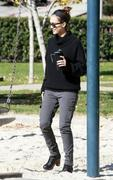 Nov 21, 2010 - Jessica Alba - Out N About - Coldwater Park In Los Angeles Th_58871_tduid1721_Forum.anhmjn.com_20101124073018010_122_341lo