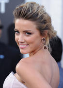 "صور Amber Heard ""Salt"" Premiere Angeles, July 2010 *updated* th_41463_aMbErHeArDsAlTsCrEeNiNg071910nBs28_122_376lo.jpg"