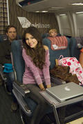 """Victoria Justice - 5 x HQ stills from """"Victorious"""" S01E09 """"Wi-Fi in the Sky"""""""