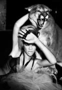 http://img232.imagevenue.com/loc555/th_751698322_Rihanna_RatedRPromoshootbyEllenVonUnwerth9_122_555lo.jpg